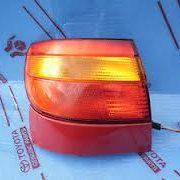 111812016B FANALE POSTERIORE ESTERNO SINISTRO TOYOTA CARINA DAL 96--0